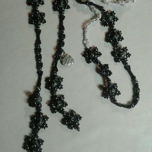 A genuine gemstone beaded lariat necklace